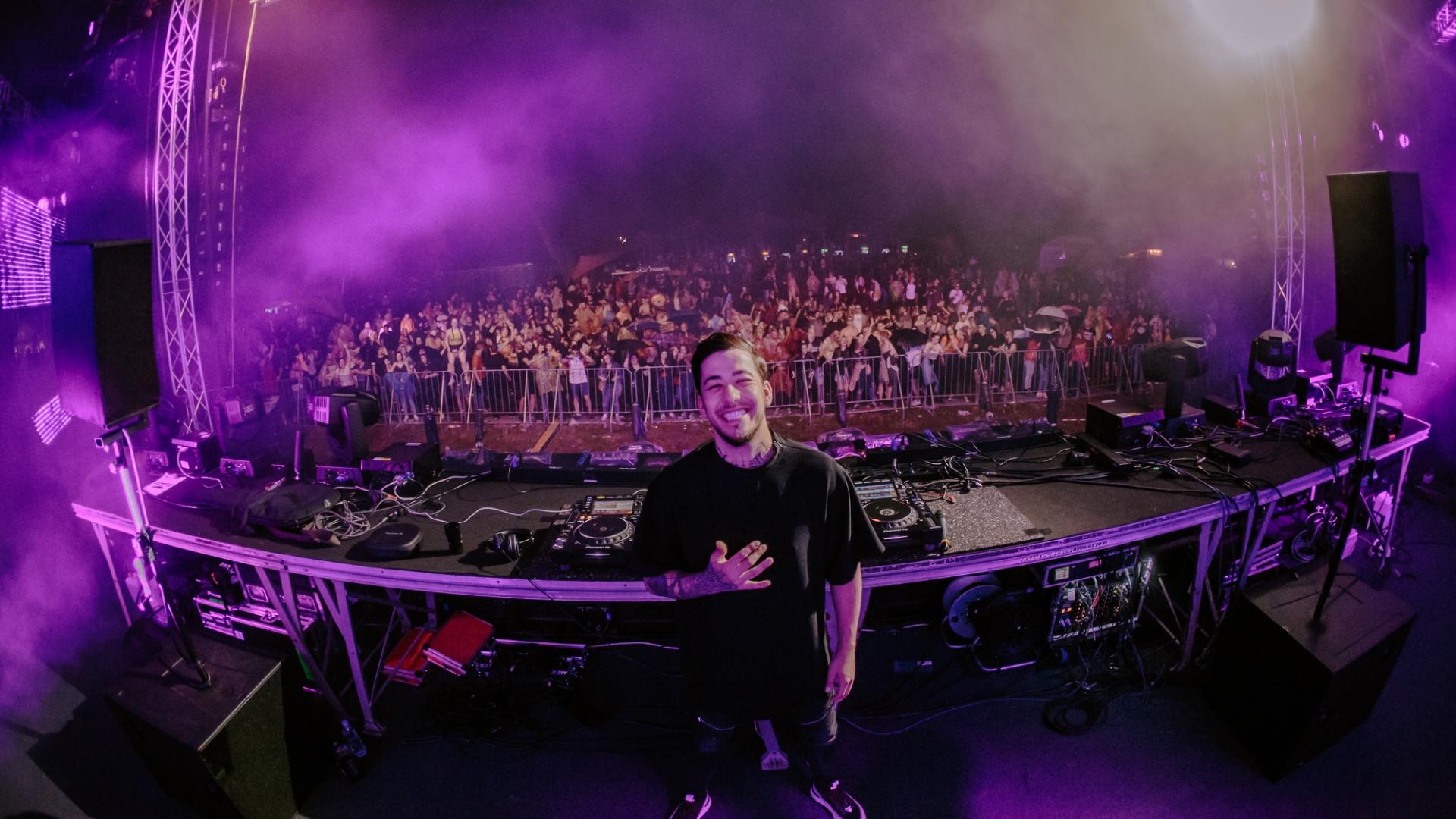 Müzik aletlerini kullanmasına kızarlardı şimdi dünya onu konuşuyor; DJ Mahmut Orhan'dan bahsediyoruz!