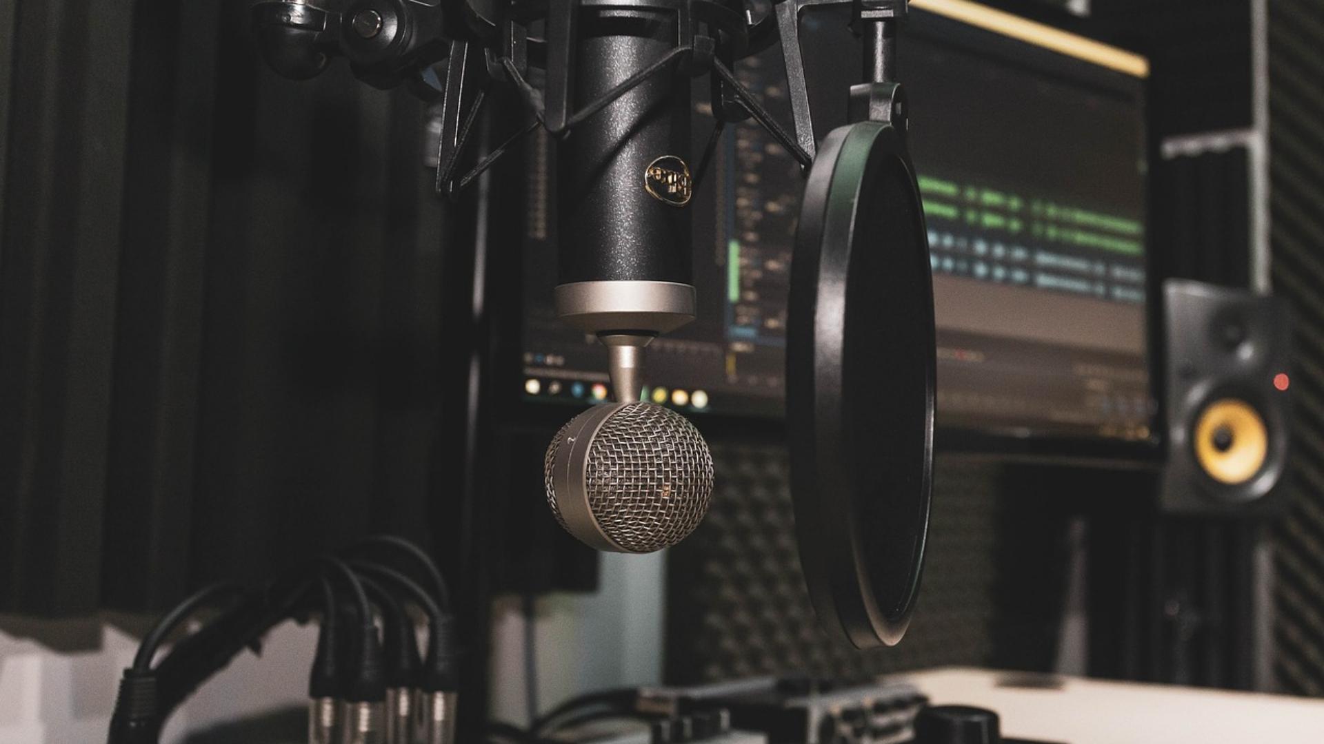 Birbirinden keyifli ve öğretici edebiyat konulu 13 podcast